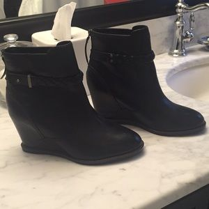 Johnson & Murphy wedge boots brand new